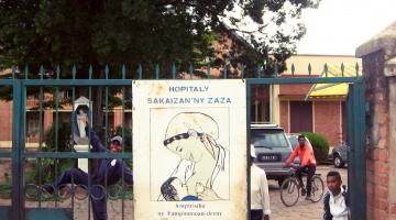 Fasada boczna - budynek szpitala